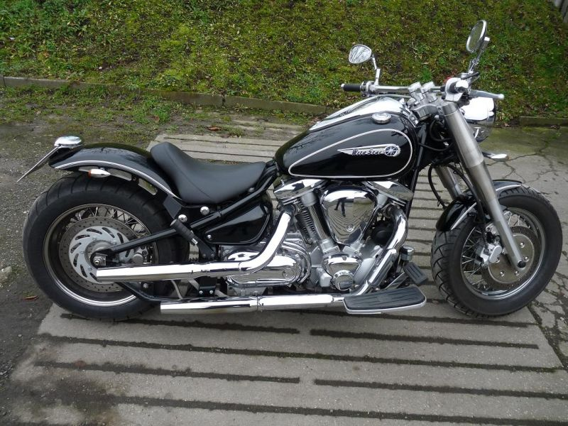 yamaha 1100 bobber with Clubbikes on ClubBikes further Watch besides uggenabben further Yamaha Xvs 1100 Drag Star V Star Bobber Nr41415747 as well Watch.